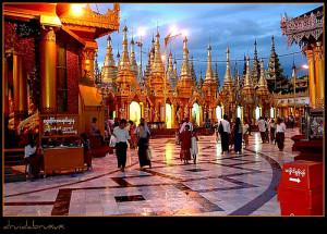 Myanmar/Birmania/Burma -Yangon -Gran Pagoda De Shewedagon Paya